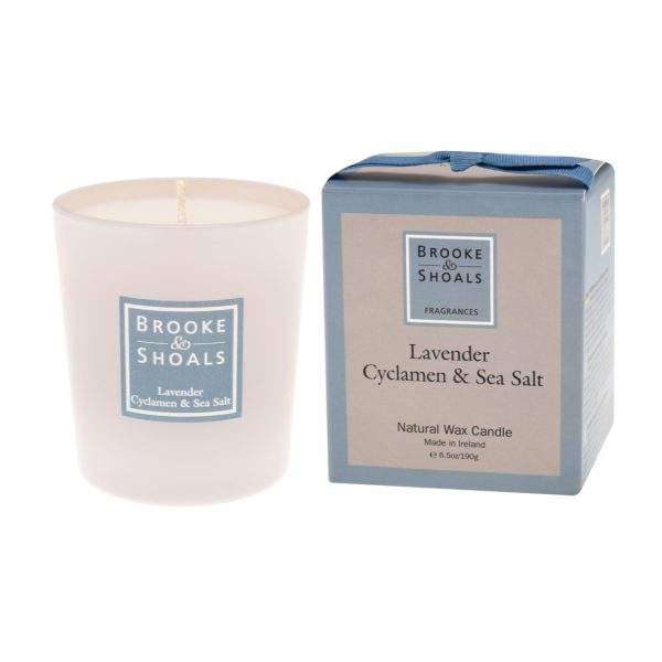 Scented Candle - Lavender, Cyclamen and Sea Salt