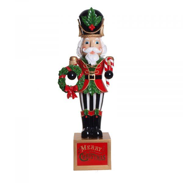 Christmas Nutcracker with Wreath (202403)